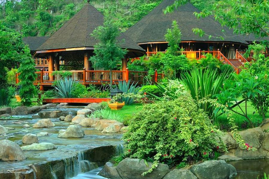 Pristine Lotus Resort, Inle, Myanmar