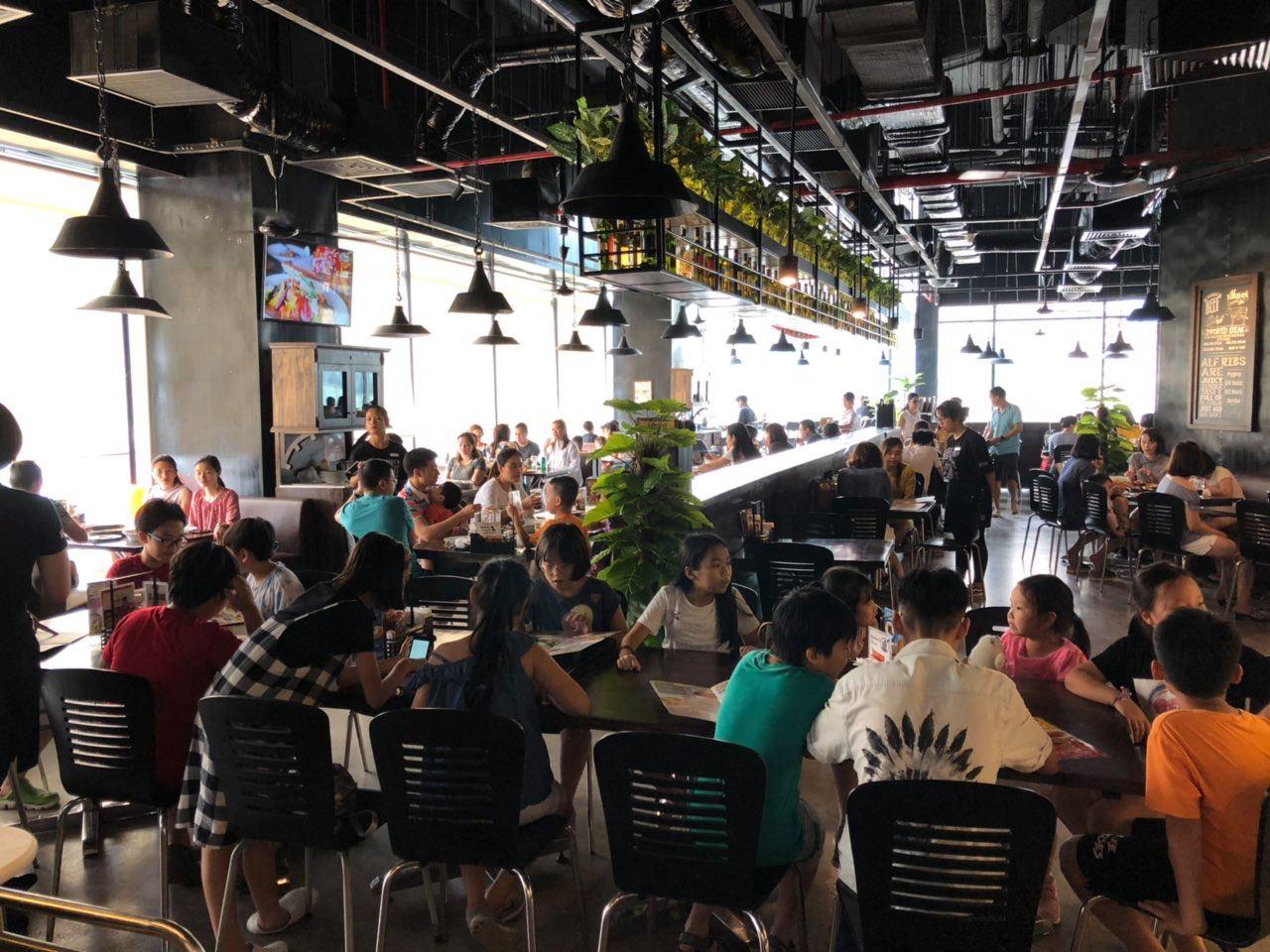 family-friendly restaurants in hanoi's old quarter